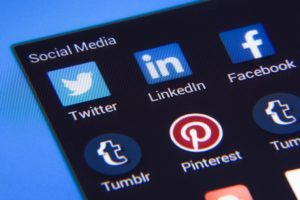 The pros and cons of using social media when job hunting